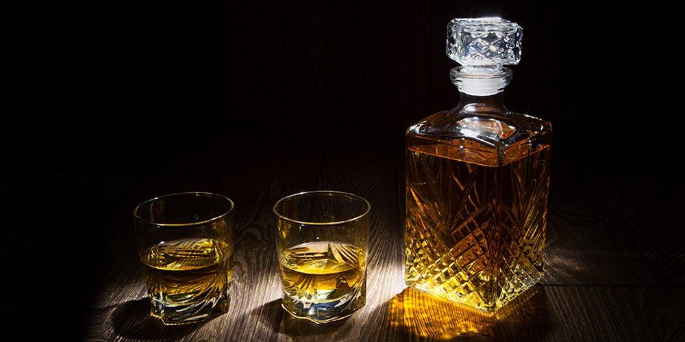 6 profumi con note alcoliche per la Festa del Papà (e non solo)